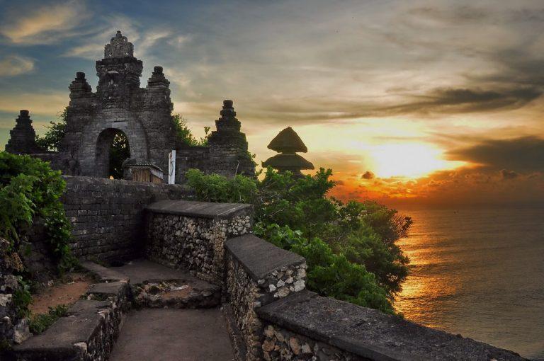 جاذبه های اولوواتو بالی