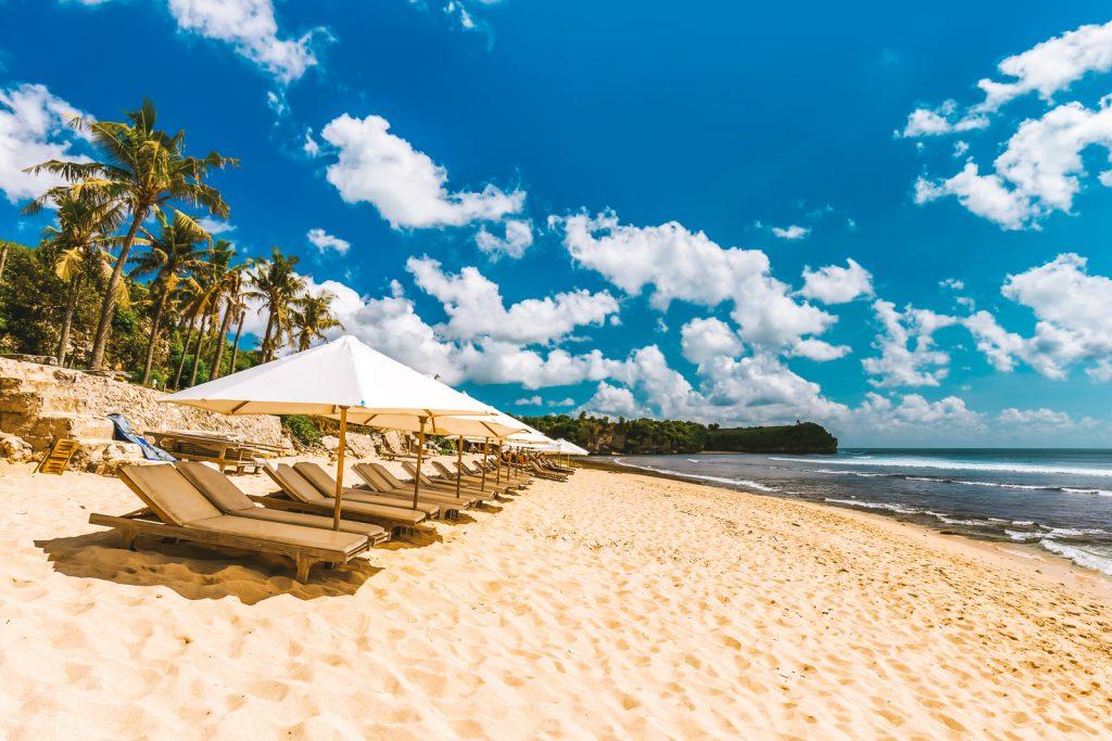 ساحل بالانگان از مقاصد و از جاذبه های اولوواتو بالی