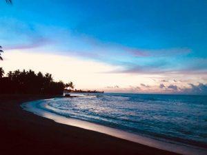 ساحل تاهیتی یکی از سواحل سیاه رنگ زیبای جهان