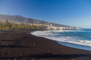 ساحل tenerife جزایر قناری یکی از سواحل سیاه رنگ دنیاست