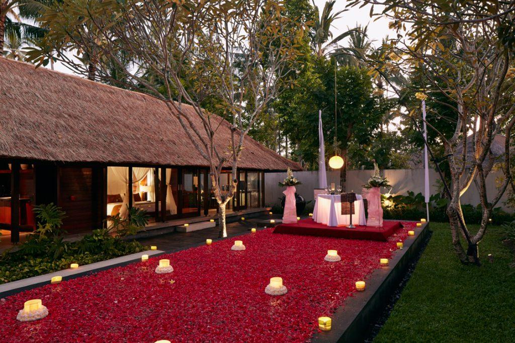 استخر پرگل یکی از هتلهای ساحلی بالی