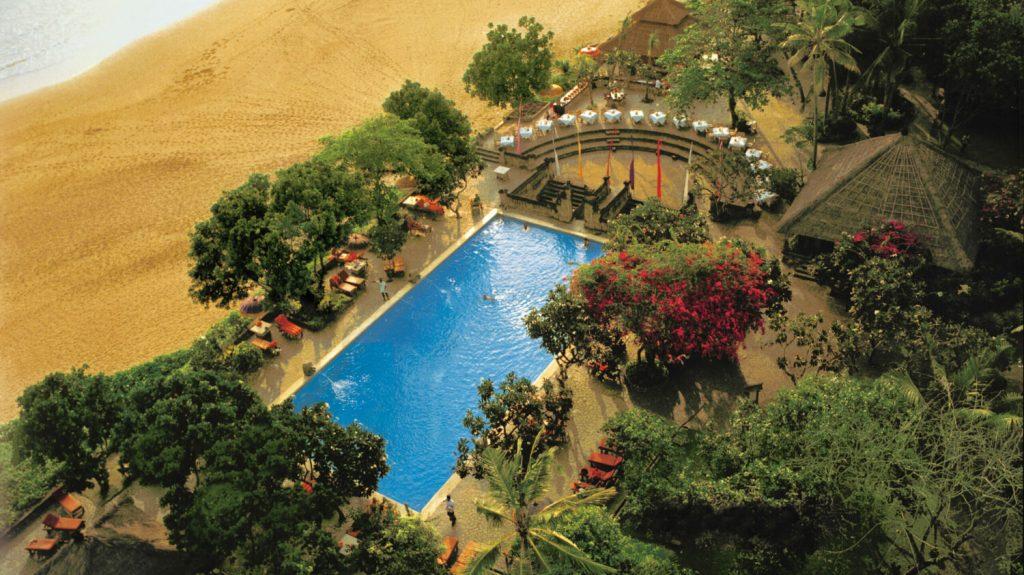 تصویر هتل زیبای oberoi beach یکی از هتلهای ساحلی بالی