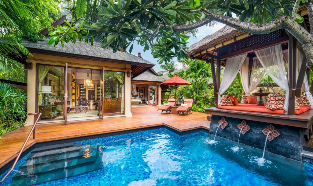 استخر سنت رجی ریزورت یکی از زیباترین هتلهای ساحلی بالی