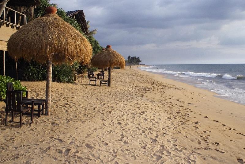 ساحل مونت لاوینیا یکی از جاذبه های گردشگری کلمبو