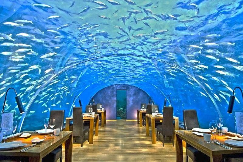 بناهای زیر آب در فصل سفر به مالدیو
